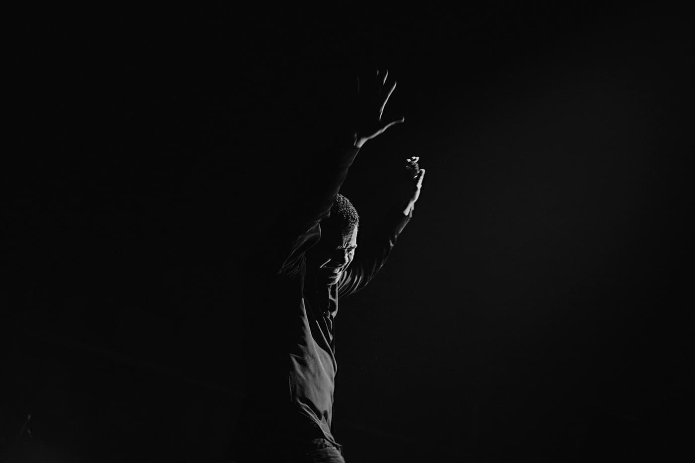 Drake live black & white