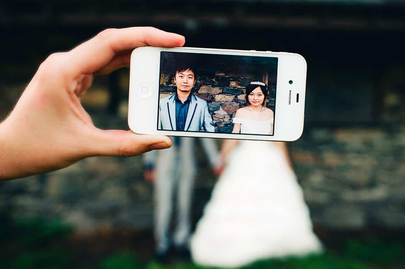 iPhone wedding photo