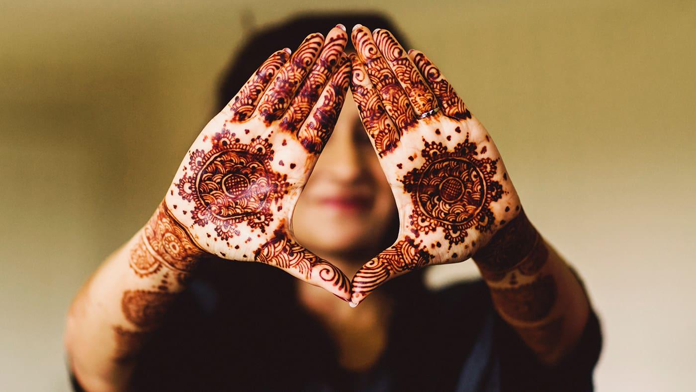 henna asian bride