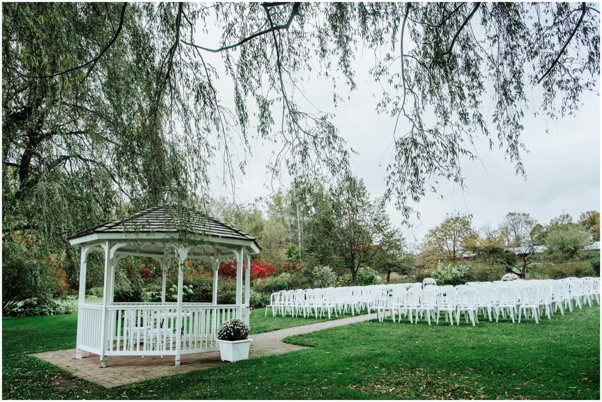 auberge des gallant outdoor wedding