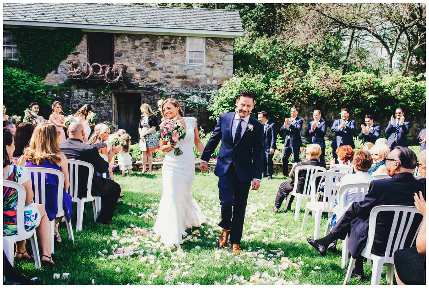 Crossed Keys Estate outdoor wedding photos