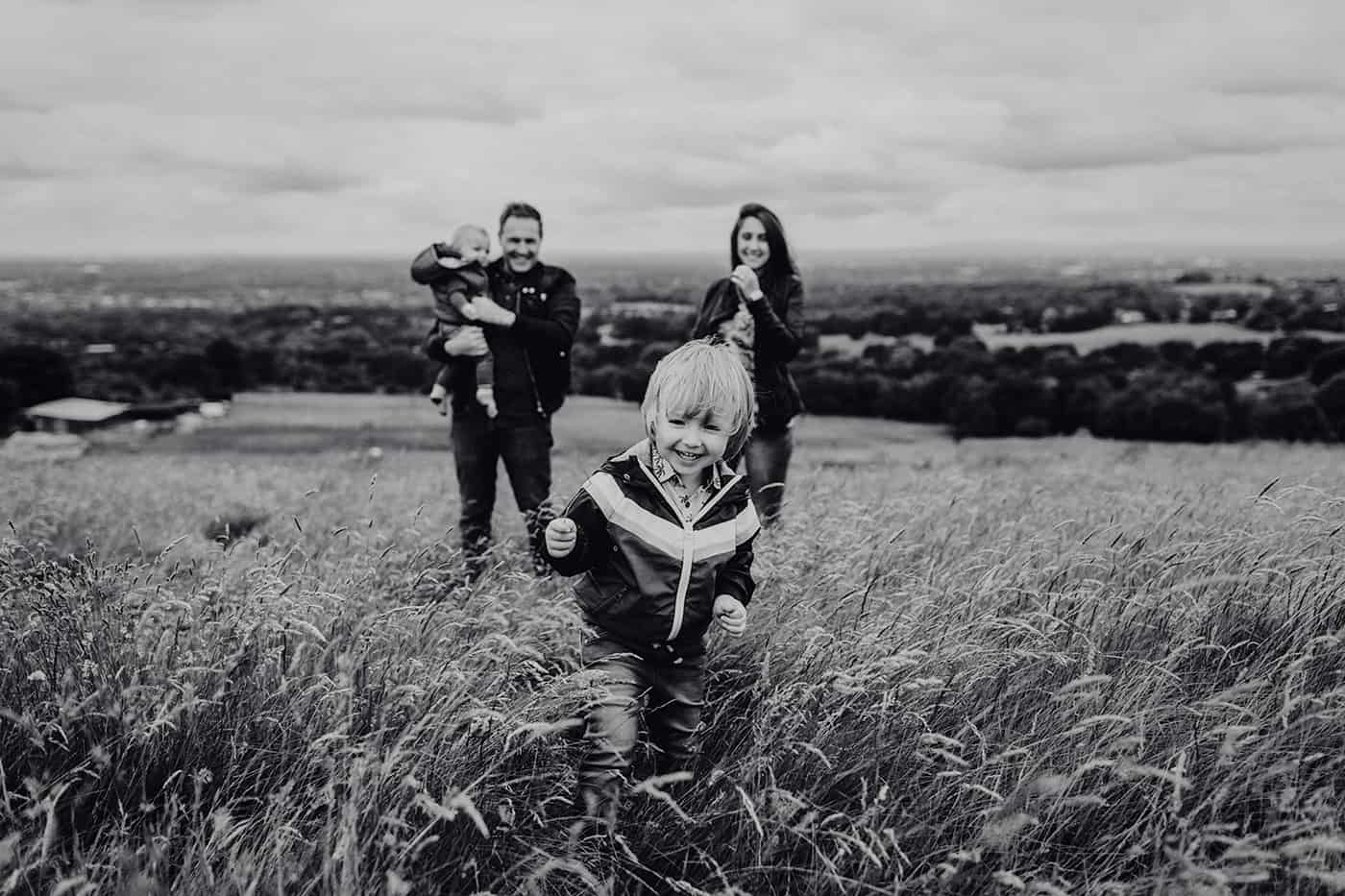 relaxed informal family photography