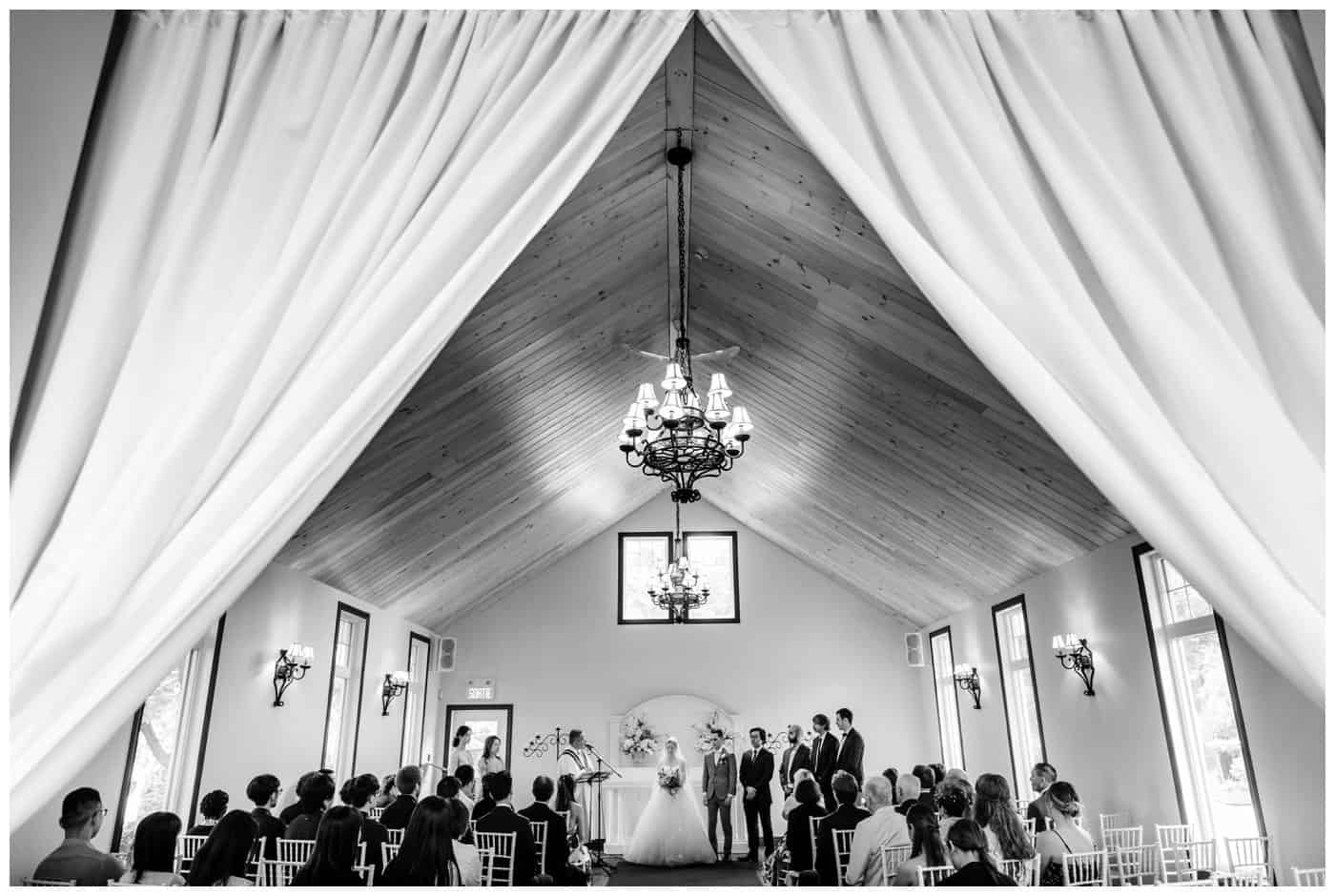 Cabane à sucre Constantin wedding photos