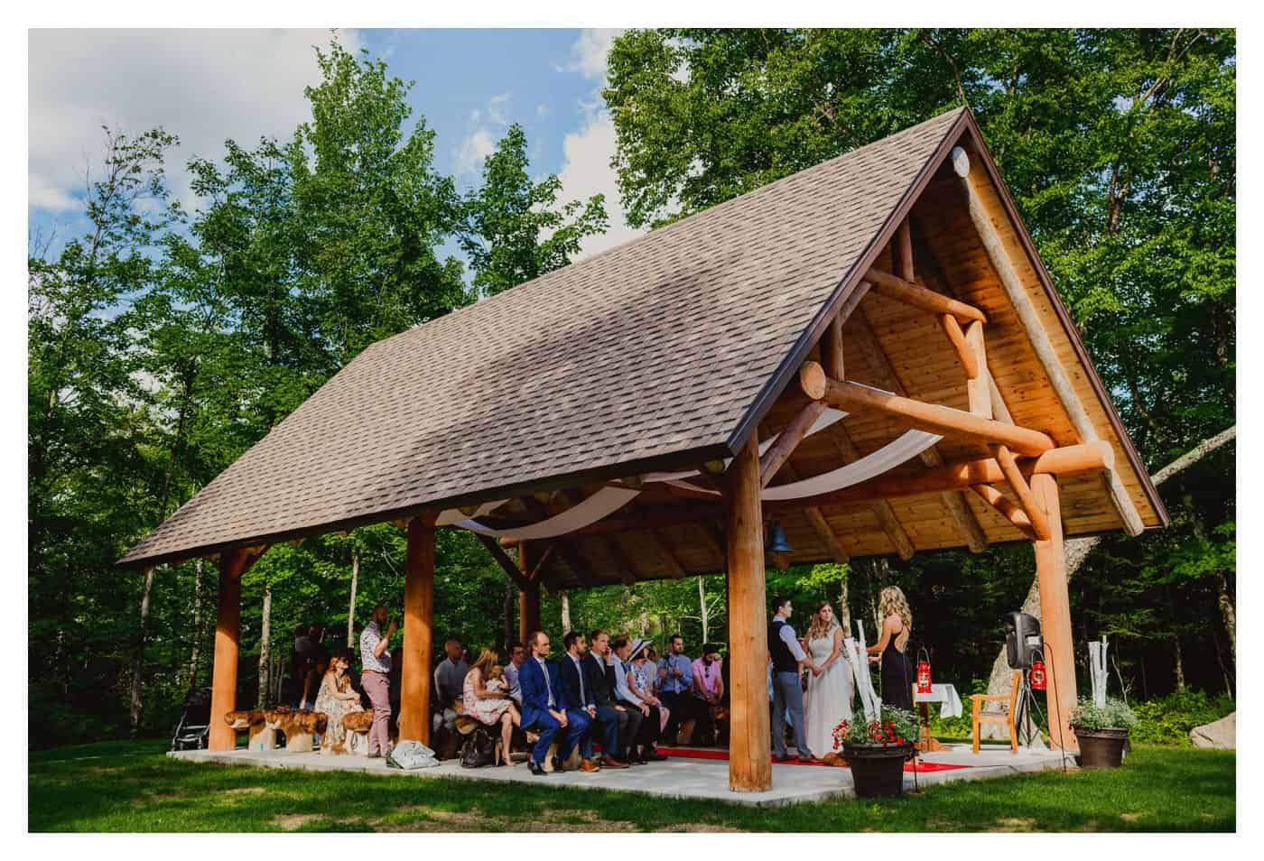 Au Chalet en Bois Rond wedding venue